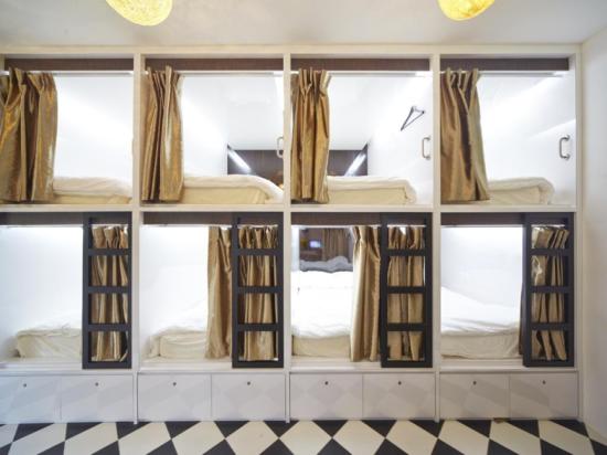 Vintage Inn Beds